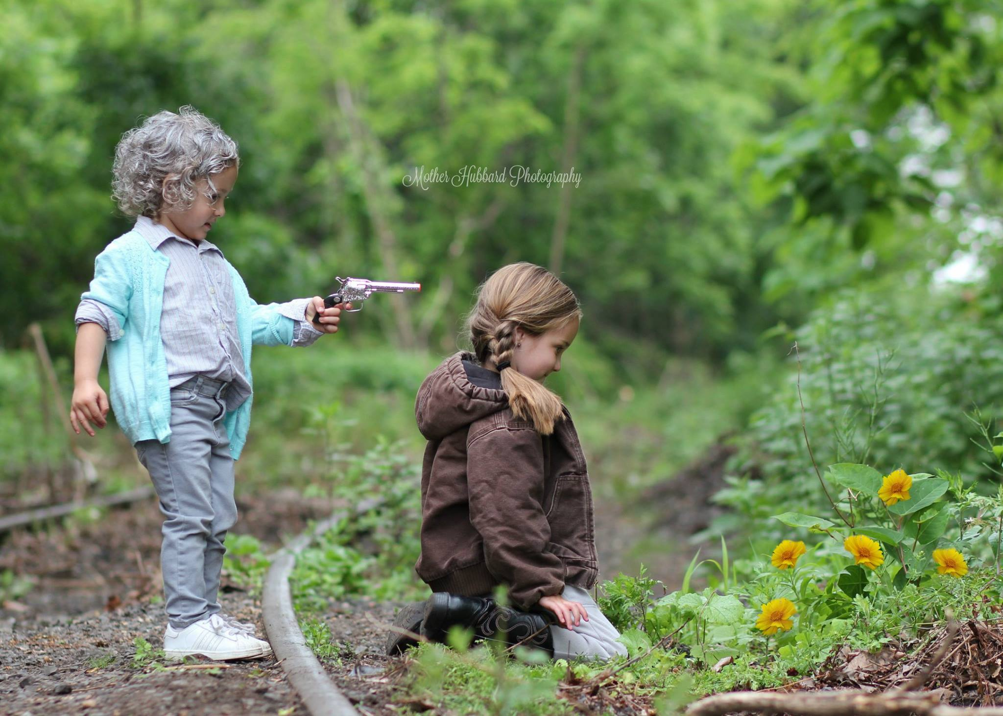 TWD Children as Carol and Lizzy Cosplay