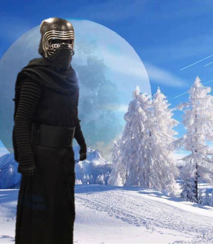 Kylo Ren Snow Cosplay
